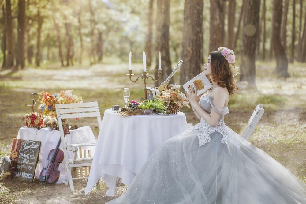 weddings-2784455_1920